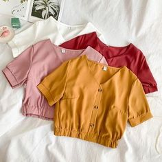 Lucuna V-Neck Short-Sleeve Blouse Stylish Dresses For Girls, Stylish Dress Designs, Girls Fashion Clothes, Teen Fashion Outfits, Crop Top Outfits, Cute Casual Outfits, Korean Fashion Dress, Clothing Photography, Short Sleeve Blouse