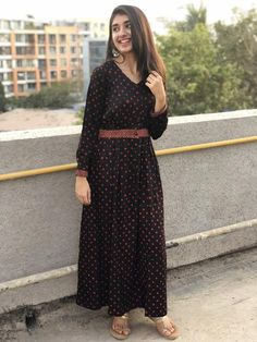 Wear it at office or as a casual day wear dress and feel comfortable the entire day! Simple Kurti Designs, Kurta Designs Women, Simple Dresses, Casual Dresses, Fashion Dresses, Casual Wear, Simple Dress Pattern, Dress Patterns, Casual Indian Fashion