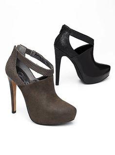 Jessica Simpson shoes never fail me. I'll take both colors, please!