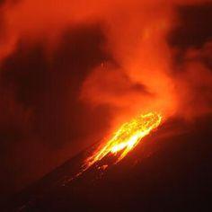 L'eruzione del monte Soputan in #Indonesia