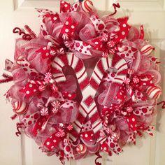 Christmas Candy Cane Wreath. Wreathsbymonica