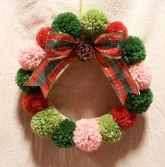 Christmas Paper Crafts, Christmas Origami, Felt Christmas Ornaments, Christmas Art, All Things Christmas, Christmas Tree Decorations, Holiday Crafts, Christmas Wreaths, Homemade Crafts