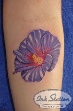 Blumen | Ink Station #blumen #flowers #tattoo #inkstation #stuttgart  #tattoo #inked #inkedmagazin #tattoomag