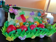 Coșuleț gainusa Paște /easter basket Easter Baskets, Easter Crafts, Homemade, Make It Yourself, Diy, Bricolage, Home Made, Diy Crafts, Handyman Projects