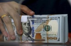 Investment and Trading: Dollar sits atop large gains, euro dogged by ECB e... http://www.tradingprofits4u.com/