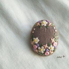 ハンドメイドマーケット+minne(ミンネ) +小さな庭++刺繍ブローチ(バチカン付)+
