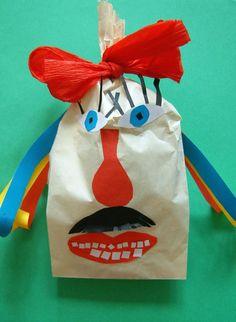 TVOŘENÍ A VYRÁBĚNÍ S DĚTMI Masopust je obdobím karnevalů, které v minulosti trvalo od Tří králů do Popeleční středy, kterou začíná období půstu před Velikonocemi. Dnes vnímáme masopust jako období bujarého veselí, období zábav v karnevalovém přestrojení a s různými pestrými maskami. Diy And Crafts, Lunch Box, Outdoor Decor, Carnavals, Bento Box
