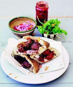 Kefta - marockanska köttbullar i pitabröd | Recept.nu