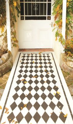 Victorian Floor Tiles St Andrews pattern with a simple border in Black and White White Tile Texture, Tiles Texture, Victorian Tiles, Victorian Design, Victorian House, Simple Borders, Buy Tile, Tiles Price, Black And White Tiles