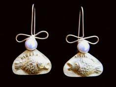 Linda Kindler Priest. Fish Ripple earrings. 14k repoussee, pearls