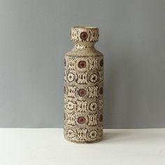 Vintage vaas van Spara, ontwerper Halidun Kutlu,  West Germany WGP  617/28 door PrettyandPreloved op Etsy
