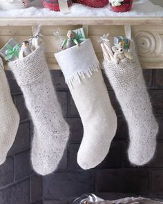 Wool sweater stockings. WOW these are pretty. A new set of family stockings may have to get made...