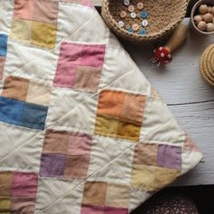 Baby's blanket, all quilted and bound. About hand stitches, all love. Quilting Projects, Quilting Designs, Sewing Projects, Sewing Ideas, Diy Projects, Nine Patch, Textiles, Amish Quilts, Antique Quilts