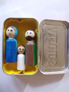The kids just made these adorable Holy Family sets for our Christmas Bazaar...thanks Monica at Arma Dei for the idea!!!