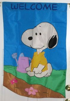 Snoopy 28 x 40 Gardening Flowers Decorative Garden Flag Welcome Peanuts Gang $10