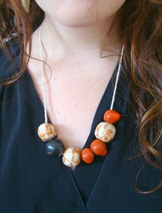 I love slightly chunky necklaces like this.