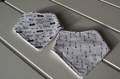 lot de 2 bavoirs bandana pour petit mec : Mode Bébé par lescreationsdeptitbouchon62