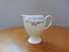 Wedgwood Rosedale bone china Leigh shape creamer R4665 - EXCELLENT!!