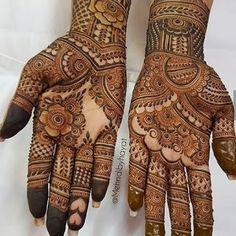 Khafif Mehndi Design, Mehndi Designs Book, Latest Bridal Mehndi Designs, Mehndi Designs For Girls, Mehndi Designs For Beginners, Unique Mehndi Designs, Mehndi Design Photos, Wedding Mehndi Designs, Beautiful Henna Designs