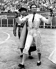 Luis Miguel González Lucas (November 1926 – May was a famous bullfighter from Spain, better known as Luis Miguel Dominguín. Art File, Sport Man, Valencia, Landscape Paintings, Victorious, Style Icons, Hot Guys, The Past, Spain
