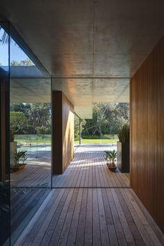 Sunrise House,© Michael Nicholson