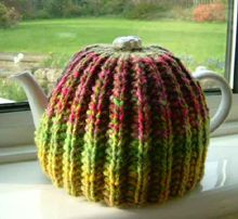 Tea Cozy...not these colors but nice and easy pattern