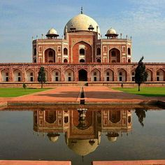 Unknown facts about Humayun's Tomb, Delhi!  Declared as a UNESCO World Listed Site in 1993, Humayun's Tomb is an absolutely enchanting place to visit. But this mausoleum has facts that are unknown to you. We tell you about them here in pictures!   #travel #trip #tour #India #summer #summerbreak #UnknownFacts #yolo #usa #college #students #losangeles #UCLAUniversityofSouthernCalifornia #Delhi #NewDelhi #Humayun'sTomb #UNESCO #WorldListedSites