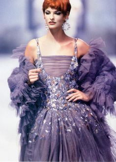 Linda Evangelista for CHANEL couture runway 1991 #Purple #Fashion #Models