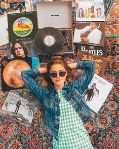 Paula Markert (@paulamarkert) • Instagram photos and videos Cute Photography, Bel Air, Wildfox, Round Sunglasses, Photo And Video, Videos, Instagram, Fashion, Moda
