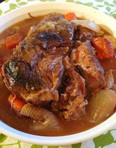 Paleo Sauerbraten Recipe Ingredients: -1 (4-lb.) bottom round roast -Sea salt, to taste -Ground pepper, to taste -2 cups beef broth -1½ cups apple cider vinegar -2 onions -2 carrots -1 lemon, quartered -1 spice bouquet wrapped in cheesecloth and tied (10 whole cloves, 10 whole black peppercorns, 3 bay leaves, 3 sprigs thyme, 2 sprigs parsley) - 3 Tbsp. lard/bacon fat - 5 slices bacon, chopped - 2 Tbsp. arrowroot powder - 1 Tbsp. raw honey - 2 Tbsp. chopped parsley