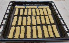 Biscuiti spritati de casa -reteta copilariei - Bunătăți din bucătăria Gicuței Griddle Pan, Biscuit, Grill Pan, Crackers, Biscuits, Sponge Cake, Cake, Cookies