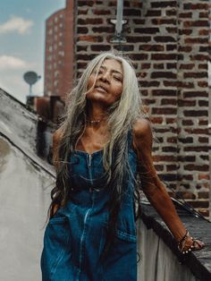 At 67 Years Old, JoAni Johnson Is Not Your Typical Model: The Harlem native and FENTY model shares her fashion and life wisdom with us. Long White Hair, Grey Hair, Long Black, Dark Hair, Brown Hair, Marie Curie, Joelle, Natural Hair Styles, Long Hair Styles