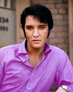 "( ☞ 2017 IN MEMORY OF ★ † ELVIS PRESLEY ★ 40 YEARS AGO (1977 - 2017) "" Rock & roll ♫ pop ♫ rockabilly ♫ country ♫ blues ♫ gospel ♫ rhythm & blues ♫ "" ) ★ † ♪♫♪♪ Elvis Aaron Presley - Tuesday, January 08, 1935 - 5' 11¾"" - Tupelo, Mississippi, USA. † Died; Tuesday, August 16, 1977 at 3:00 pm: Elvis is pronounced dead. (aged of 42) Resting place Graceland, Memphis, Tennessee, USA. Cause of death: (cardiac arrhythmia)."