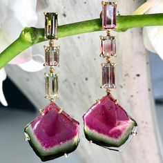 These watermelon earrings are ARE delicious! Watermelon tourmaline forms as the mineral solution changes through the time of its formation. __________________ These Watermelon tourmaline earrings are delicious! Bohemian Jewelry, Luxury Jewelry, Fashion Art, Fashion Jewelry, Wynn Las Vegas, Tourmaline Earrings, Diamond Earing, Watermelon Tourmaline, Delicate Jewelry