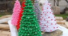 Artesanato-Árvore-de-Natal-Com-Colheres-de-Plástico