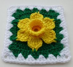 Crochet Granny Square Patterns Daffodil in granny square Crochet pattern by Luba Davies Crochet Motifs, Granny Square Crochet Pattern, Crochet Blocks, Crochet Flower Patterns, Crochet Squares, Crochet Granny, Love Crochet, Crochet Flowers, Crochet Stitches
