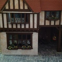 DOLLSHOUSE STRATFORD  www.shop-memories.com