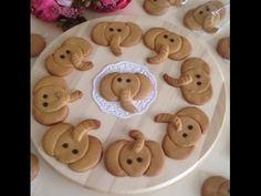 Kurabiye Şekilleri Yapımı - YouTube Cookies For Kids, Cute Cookies, Shaped Cookies Recipe, Biscuits, Easy Cookie Recipes, Cookie Designs, Bake Sale, Gingerbread Cookies, Shapes