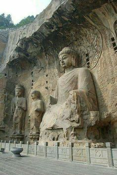 Buddha statues at Longmen Grottoes, Luoyang, China Art Buddha, Buddha Temple, Buddha Statues, Japanese Buddhism, Luoyang, China Image, Ancient Ruins, Buddhist Art, China Travel