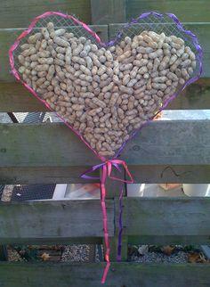 Een groot pinda hart! Lekker voor de vogeltjes deze winter!