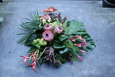 Funeral Flower Arrangements, Funeral Flowers, Grave Decorations, Natural, Succulents, Floral Wreath, Wreaths, Plants, Modern
