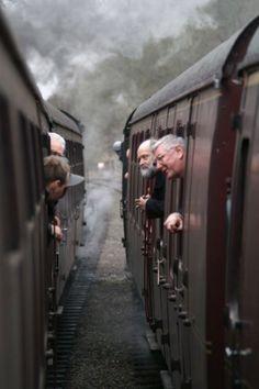 12 Amazing Sceneries of Beautiful Trains