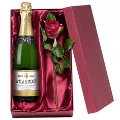 Personalised Cava and Rose Gift Set