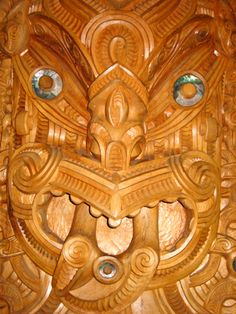 Maori carving Maori Tribe, Polynesian People, Maori Patterns, Long White Cloud, Maori People, Maori Art, Art Carved, Ocean Art, Wood Carvings
