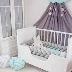 Knot babybumper gray mint nursery design