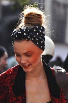 Lenços e turbantes para você arrasar! http://vilamulher.com.br/beleza/cabelo/lencos-e-turbantes-neste-carnaval-arrase-2-1-12-1205.html