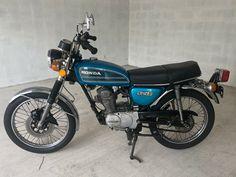 Classic Honda Motorcycles, Honda Bikes, Honda Cb, Motorised Bike, British Car, Old Skool, Motorbikes, Wheels, Japan