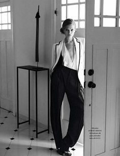 Life in Mono| Vita Sidorkina | Wee Khim  #photography| LOfficiel Singapore March 2012 http://media-cache3.pinterest.com/upload/209558188881192783_0th4RVkL_f.jpg KCoRoom b w