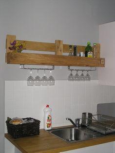 Perfectly Matched DIY Kitchen Shelf   99 Pallets