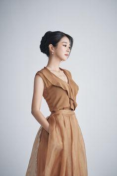 Ladies Day Dresses, Nice Dresses, Girls Dresses, Korean Actresses, Korean Actors, Actors & Actresses, Kdrama, Korean Celebrities, Celebs